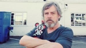 Mark Hamill su Star Wars VII: salire sulla Millennium Falcon, la segretezza sul set e il messaggio per Lucas!