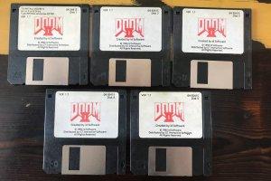 John Romero mette in vendita la sua copia di Doom 2